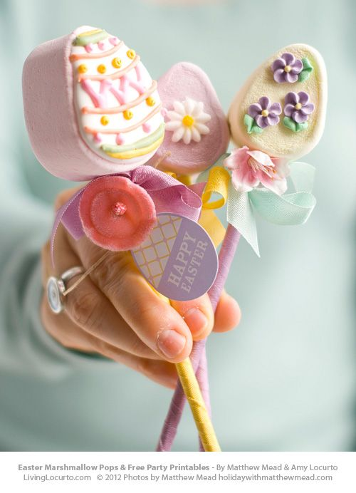 Easter Marshmallow Pops {and Free Printables} | Living Locurto - Free Party Printables, Crafts & Recipes