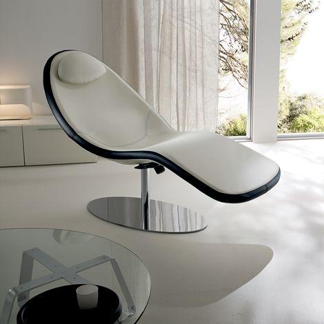 Chaise Longue Relax ergonomica con base rialzata e con meccanismo a tre regolazioni. Struttura in ABS rivestita in pelle nera. Scopri lo sconto su outletarredamento.it http://www.outletarredamento.it/sedie/chaise-longue-relax-in-pelle-nera.html #chaiselongue #relax #ergonomica #offerteoutlet #outletarredamento
