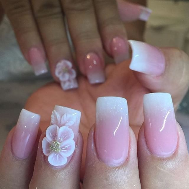 Absolutely LOVE this fade using Tammy Taylor Dark Pink Powder, French White Prizma and White Powder for the beautiful flower! Nails done by @dliciousnails