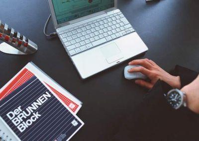 Em meio às soluções encontradas por PME's para sobreviver em meio a tanta instabilidade, o marketing digital tem se destacado como uma das alternativas mais promissoras,  já que,  além de