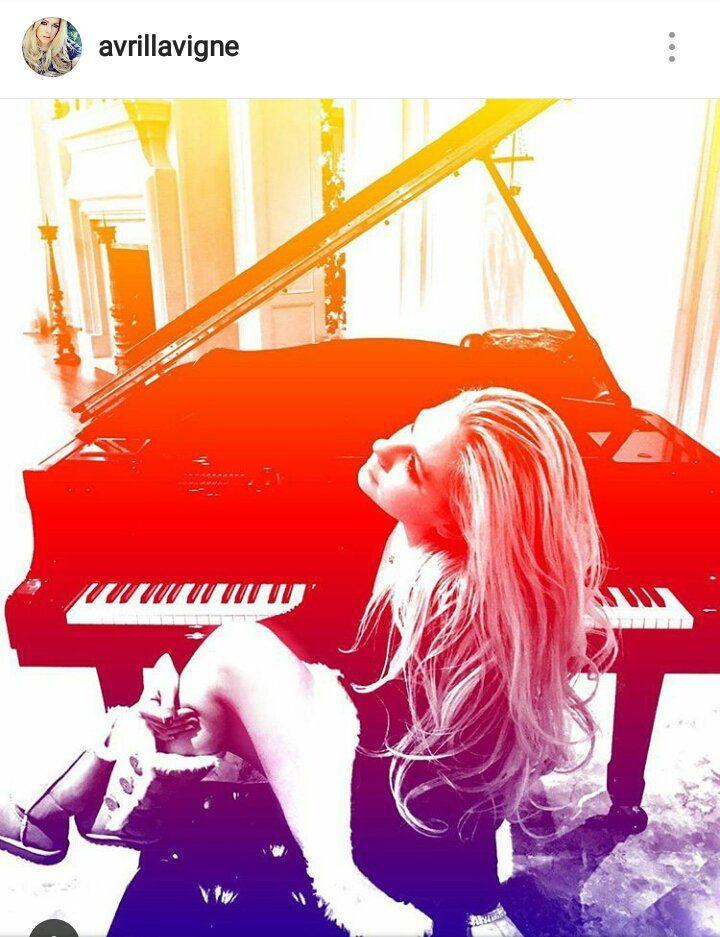 Avril Lavigne is Back (dopo la malattia di Lyme) con un nuovo album