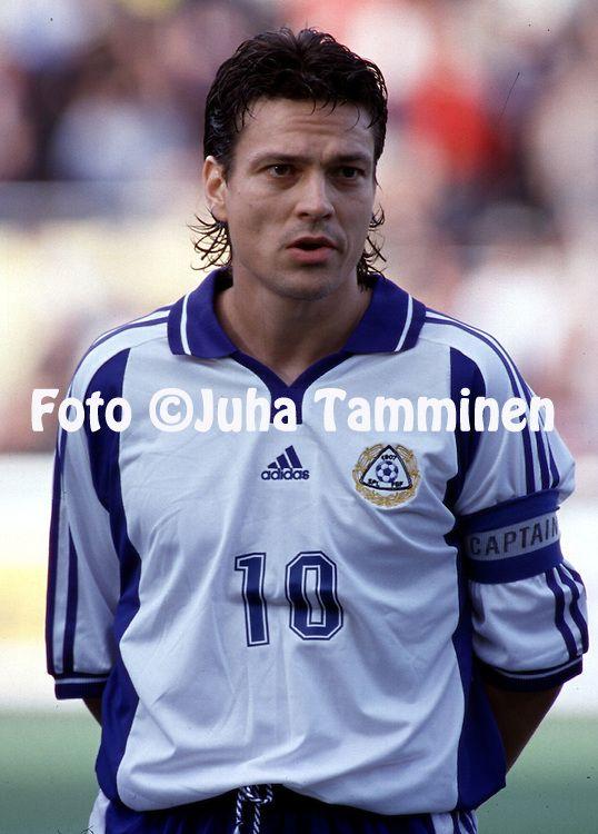 16.08.2000, Finnair Stadium, Helsinki, Finland. Friendly International match Finland v Norway. .Jari Litmanen - Finland.©JUHA TAMMINEN
