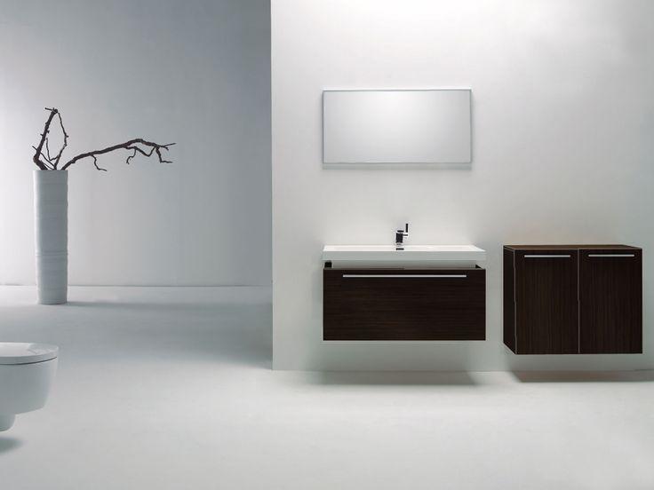 La Nuova offre à petit prix une salle de bain aux lignes contemporaines très tendance. Plusieurs options disponibles, tels que lingerie, miroir et luminaire. Plusieurs dimensions et configurations disponibles.