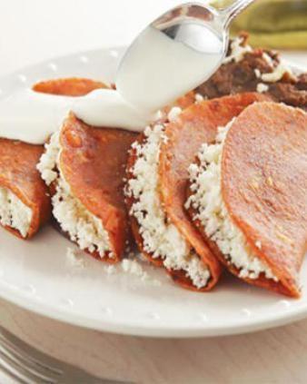 Para los vegetarianos, unas ricas enchiladas potosinas que no contienen carne. Ingredientes para4 personas 100 g de chile ancho,asado y …