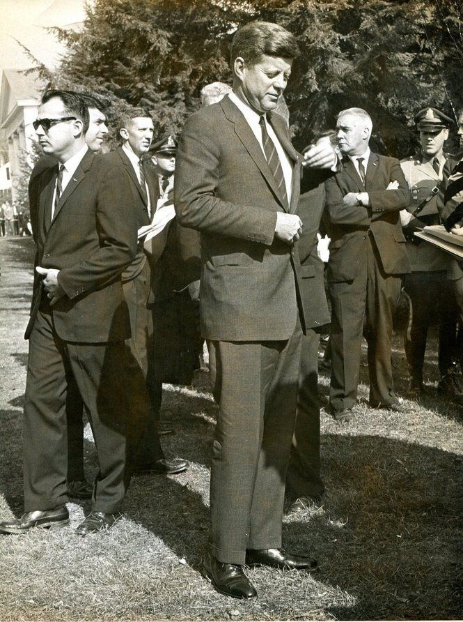 Oct. 26, 1963 Amherst - President John F. Kennedy at the groundbreaking for Frost Library at Amherst College.