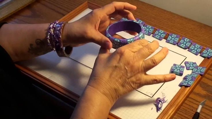 Easy Tile and Bangle Bracelet by Teresa Pandora Salgado.  This is a very good tutorial by Teresa. Thank you. GinnyRiggle.etsy.com