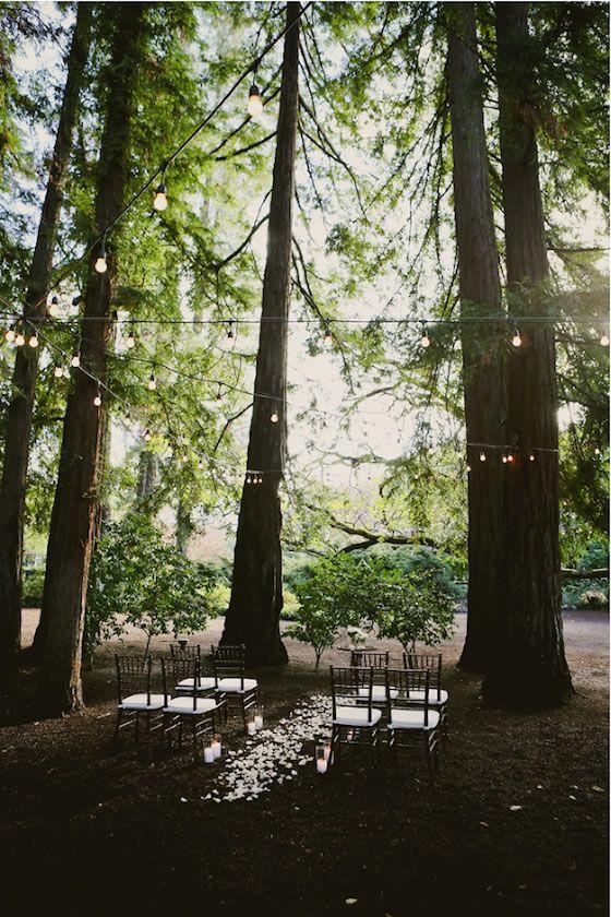 17 Elopement Ideas: Simple ceremony decor