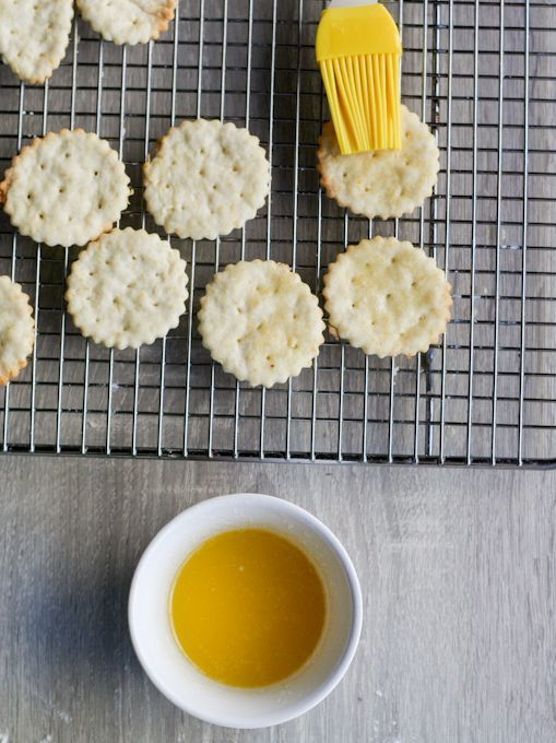 Homemade Ritz Crackers-12 – #Crackers12 #Homemade …
