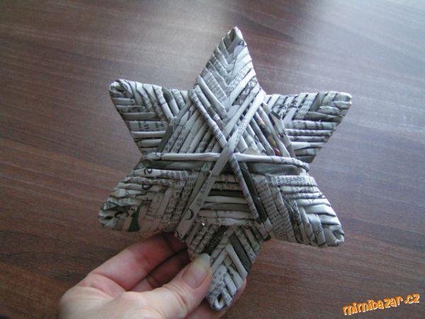 Hvězdy pletené z papíru...