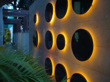 Contemporary exterior feature lighting