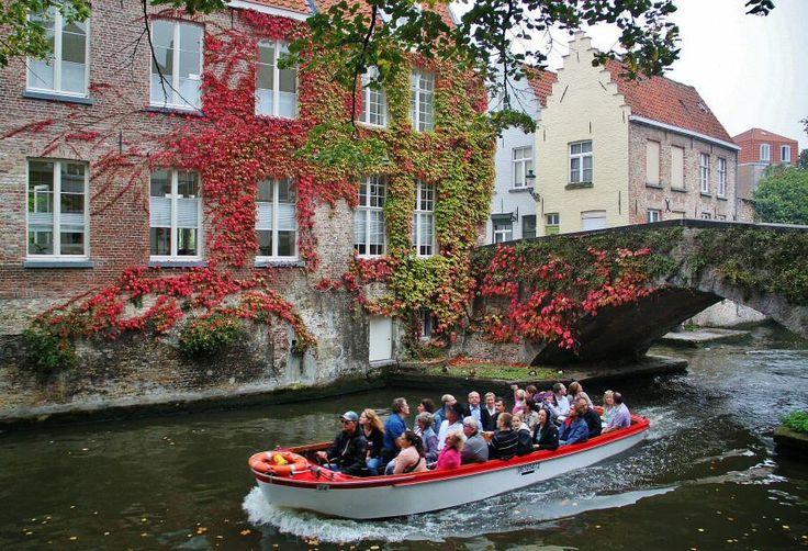 Rincón de los canales de Brujas en Flandes