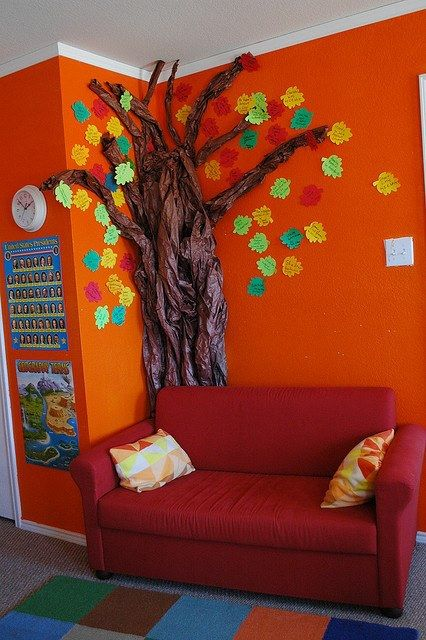 Class tree idea for the classroom. Good area for story time. #classrooms #teachers