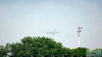 Anflug unserer Maschine auf Tegel - Check more at http://www.miles-around.de/trip-reports/economy-class/swiss-airbus-a320-200-economy-class-berlin-nach-nizza/,  #A320-200 #Airbus #Airport #avgeek #Aviation #Berlin #Côted'Azur #Flughafen #Lounge #LufthansaSenatorLounge #Mietwagen #NCE #SWISS #SWISSSenatorLounge #Trip-Report #TXL