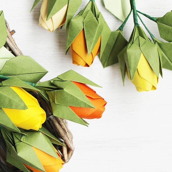 """""""Sprache der Blumen"""" - Gelbe Rosen in Buketts: repräsentieren Freude, Glück und Dankbarkeit für Gastgeber. #origami #origamiblume #origamiflower #origamiflowers #papierblume #papierblumen #paperflower #paperflowers #origamirose #origamiroses #papierrose #paperrose #paperroses #origamibuket #origamibouquet #origamiart #origamifun #handmadeflower #handmadeflowers #origamiinsta #instaorigami #origamista #flowerdiy #blumendeko #flowerdeco #japanshop"""