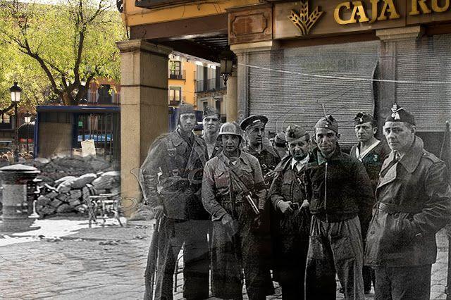 Milicianos en la plaza de Zocodover, Toledo . Septiembre de 1936.