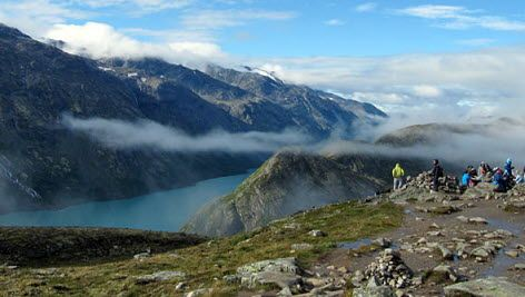 The Besseggen Mountain in the Jotunheimen National Park, Norway - Photo: visitnorway.com/Ingrid Nernæs