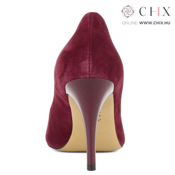 Bordó Anis alkalmi cipő Nagyon elegáns, 9 cm magas sarkú alkalmi cipő nubuk bőrből. Márka: Anis Szín: Bordó Modellszám: 4334 BORDEAUX http://chix.hu/noi-cipok/13953-bordo-anis-alkalmi-cipo-4334-bordeaux/