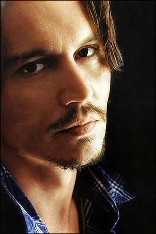 Johnny Depp. This man is amazing! Love Captain Jack Sparrow.;)