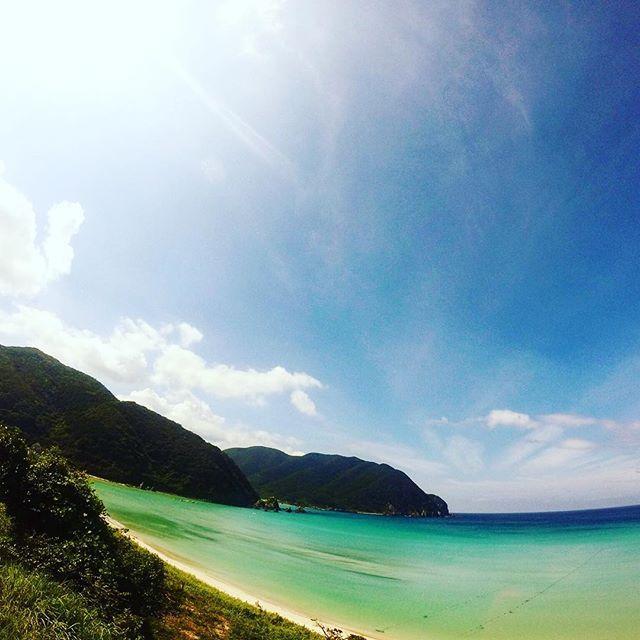 【zenjey423】さんのInstagramをピンしています。 《今週末は長野に行ってきます!⛰ 久しぶりに野宿旅できるかな!笑  まじでピーカン希望!🌞🌞🌞 頼むぜお天道様🙏🙏🙏 ・ ・ ・ #旅 #一人旅 #長崎 #五島列島 #福江島 #離島 #高浜海水浴場 #砂浜 #ビーチ #海 #throwback #trip #travel #japan #nagasaki #goto_island #fukue #island #islandlife #nature #beach #sea #zenjey #zenjey_photography #gopro #goprojp #goproのある生活 #ゴープロのある生活 #ゼンジローのいる生活 @gopro @goprojp ✔️ @zenjey423》