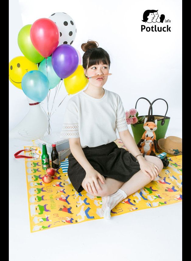 LetzCreate Potluck Picnic Mat / Artist Lynette Lin / Family Potluck Picnic Mat   LETZCREATE X Lynette Lin/琳內  Busy with this and that,running around happily,finally we can take our seats,share...