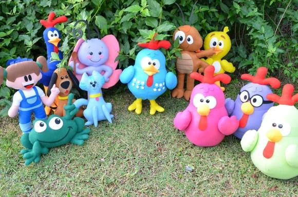 Personagens da Turma da galinha Pintadinha. Confeccionados em feltro com enchimento em fibra de silicone. Altura média dos personagens 40 cm. R$569,00
