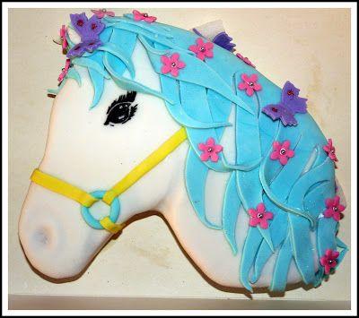 Le Goûter Enchanté: Uuuuh Dada !! ou mon gâteau cheval en pâte à sucre ;)