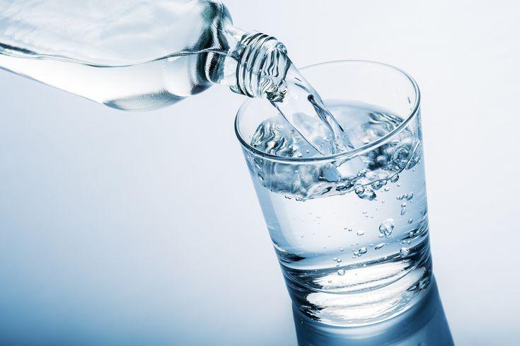 Acqua minerale prodotta in Italia contenente Diclorometano, un solvente pericoloso per la salute, allerta Europea e ritiro immediato dal mercato.