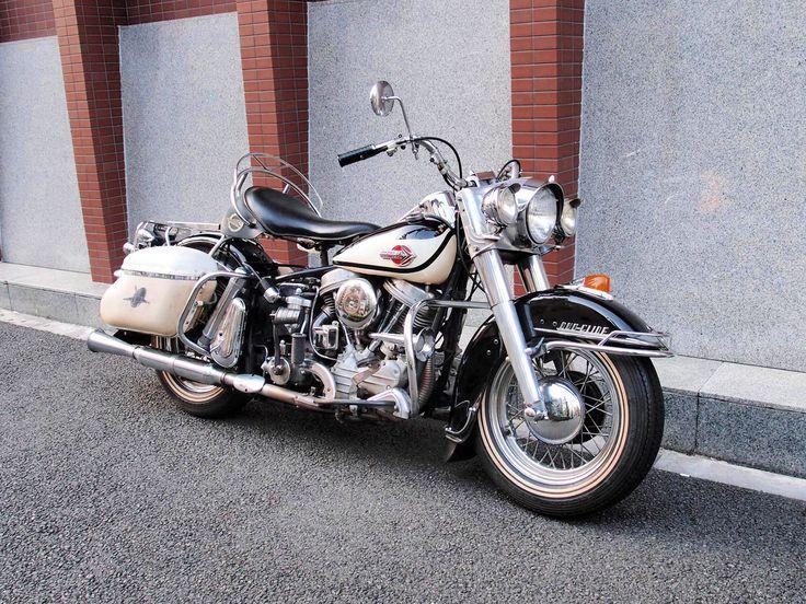 '60FLH Owner 久保山さん  '60年FLHのオリジナルペイントです。 NOSのバディーシートが違和感ないくらい綺麗な車両です。