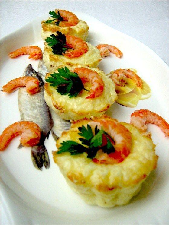 Мини-фриттата с креветками и пармезаном
