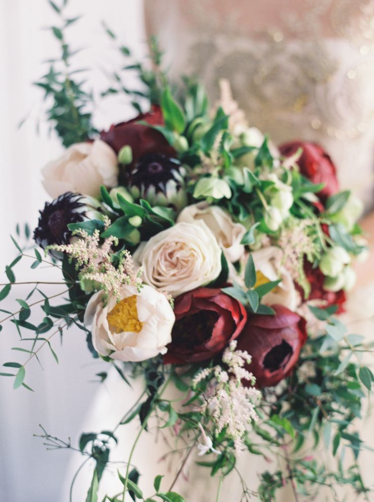 Moody burgundy & ivory bouquet: http://www.stylemepretty.com/2015/10/01/moody-alder-manor-fall-wedding/ | Photography: Jen Huang - http://jenhuangphoto.com