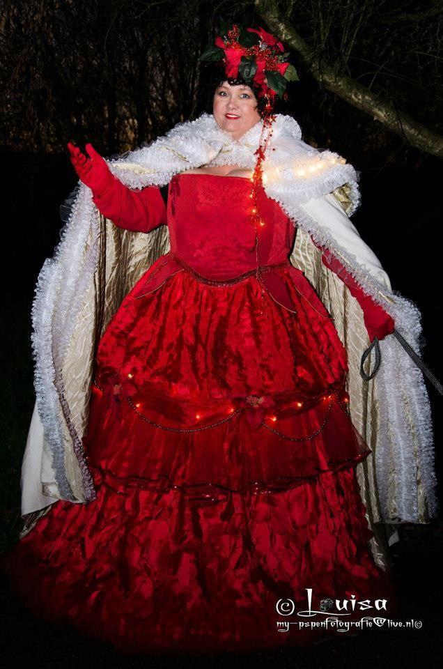foto gemaakt door  louisa de keizer Kerst, kerstvrouw, fantasy, big dress,  Korset simplicity 2621