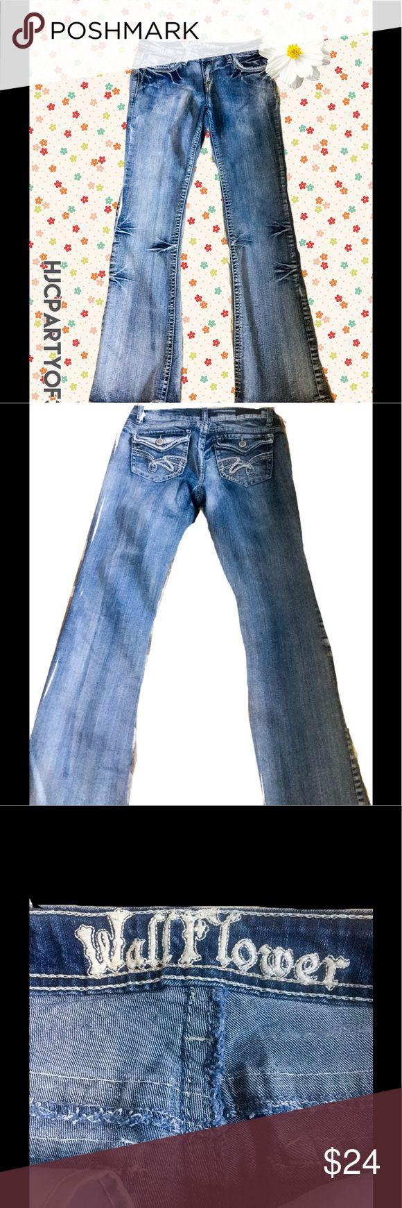 NWOT WALLFLOWER JEANS, SIZE 9, Juniors NWOT WALLFLOWER JEANS, SIZE 9, Juniors Wallflower Jeans Flare & Wide Leg