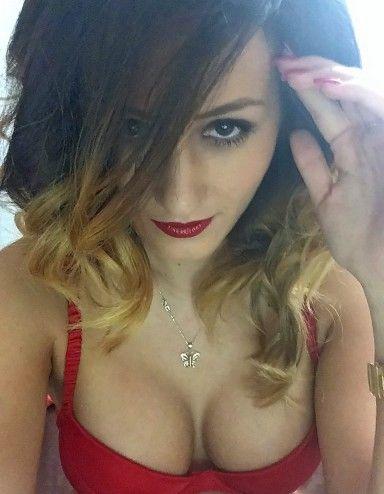 Profil de Ammy La nouvelle princesse de la sexycam ? L'appréciation de Beetchee : Comme tout le monde prétend que Ammy est la nouvelle princesse du livesho