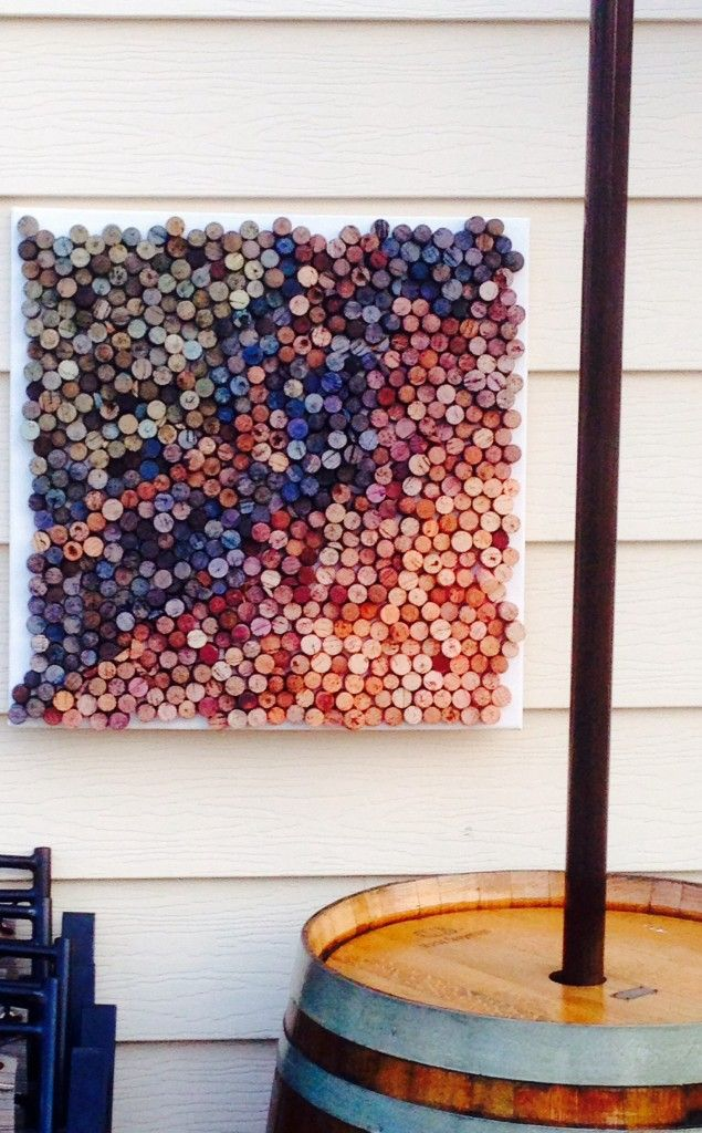 Wine Cork Art Idea (and tip on cutting wine corks) www.thewoodenbee.com