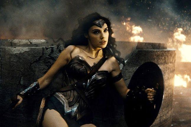 Estúdio muda data de Mulher-Maravilha e agenda dois novos filmes da DC