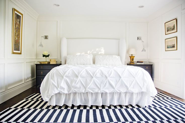 white bed, gold accents and navy and white stripesWhite Beds, White Bedrooms, Master Bedrooms, New Bedrooms, Gold Accent, White Gold, Bedrooms Inspiration, Bedrooms Ideas, Gold Design