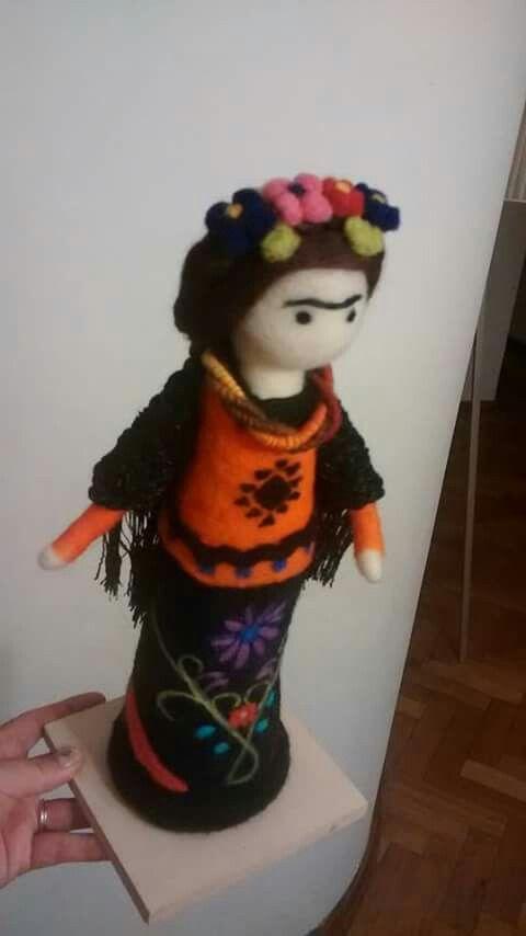 Frida Kahlo, trabajo a pedido. https://m.facebook.com/Entre-Lanas-y-M%C3%A1s-614319092020944/
