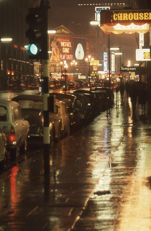 procrastinatingpoet:  England 1969 - London, Piccadilly looking towards Piccadilly Circus by borntobewild1946 on Flickr.