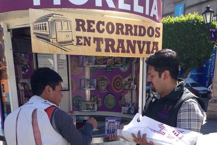 El Ayuntamiento de Morelia, a través de la Secretaría de Turismo municipal, continúa con los trabajos de capacitación para los diferentes giros comerciales, además de entregar información útil a los ...