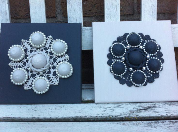 Zeeuwse knopen gemaakt op canvas.