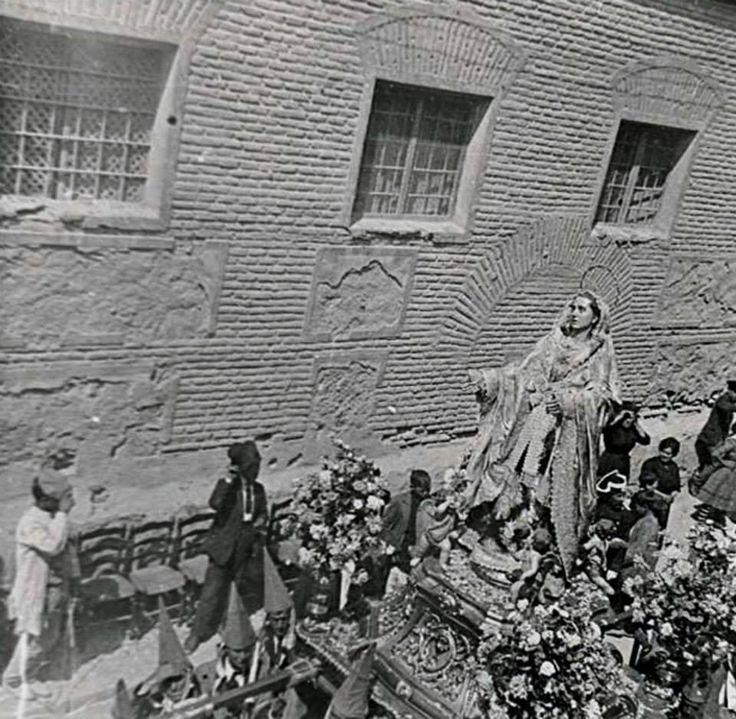 Viernes Santo en Murcia, iglesia de Nuestro Pade Jesus, Procesion de los Salzillos Doloosa junto convento agustinas