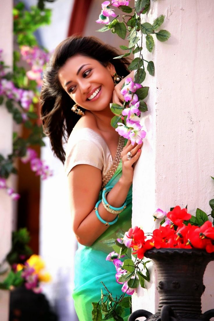 Kajal dress less images of flowers