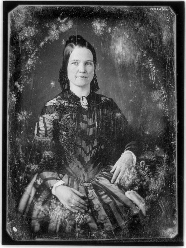 Mary Todd Lincoln, 1846 This 1846 or 1847 portrait by N.H. Shepherd shows Mary Todd Lincoln, wife of to-be President Abraham Lincoln.  This photo was taken in Springfield, Illinois a few years after they married.