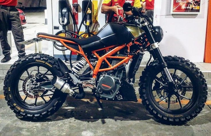 """8,075 Likes, 34 Comments - SCRAMBLERS & TRACKERS (@scramblerstrackers) on Instagram: """"⛽️Fueled by @rebelsocial   TAG: #scramblerstrackers   KTM Duke by @tonys_bike_design…"""""""