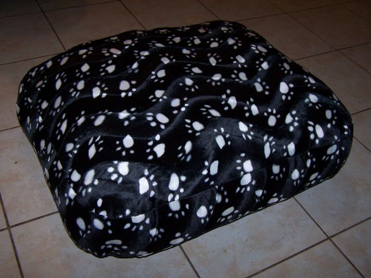 Les 25 meilleures id es de la cat gorie tapis pour chien - Fabriquer un panier pour chien ...