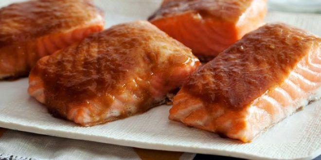 Receta Salmón asado glaseado con azúcar morena y salsa teriyaki