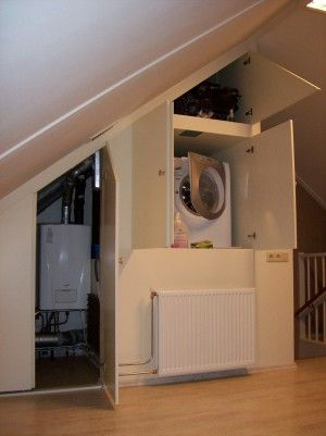 wasmachine en ketel mooi weggewerkt op zolder Ook leuk om wasrek te plaatsen. En stofzuiger op te bergen, ...