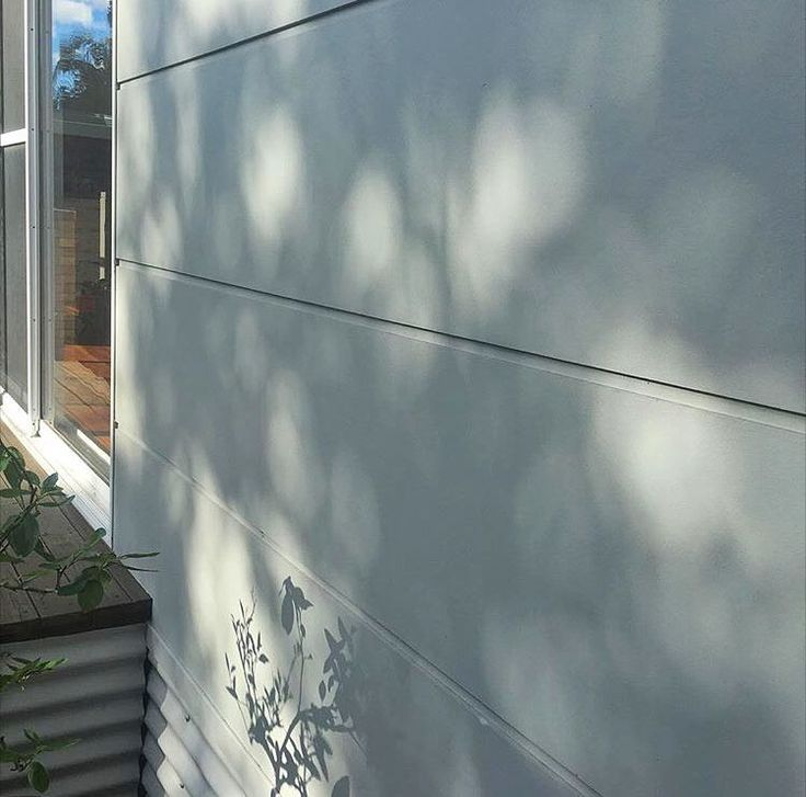 Thanks for sharing this beautiful close up of Stria with us @brand_it_nattwed - love this work. Painted in Colorbond Shale Grey. #australianarchitecture #architecture #exterior #exteriordesign #scyonwalls