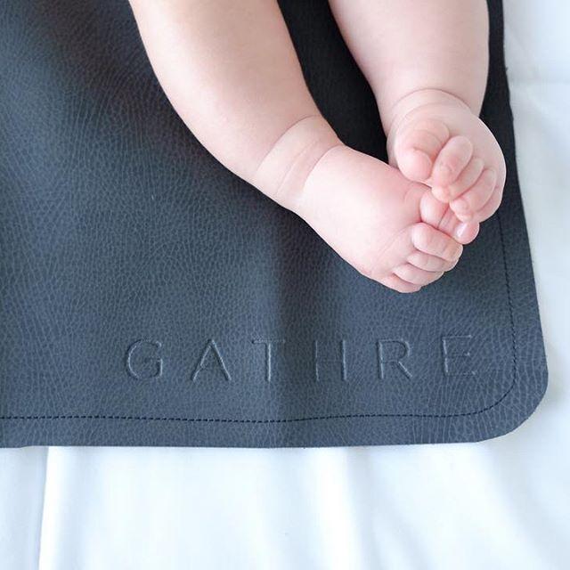 #gathre Little rolly feet.. doesn't get better! || Raven Micro