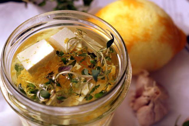 Qchnia Osobista : Feta marynowana z cytryną i tymiankiem